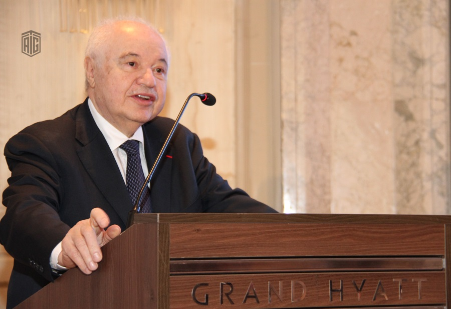 """HE Dr. Talal Abu-Ghazaleh patronizes a panel discussion entitled """"The Impact of Institutional Innovation and Creativity on the National Economy"""""""