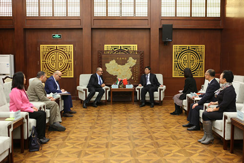 On the Sideline of TAG-Confucius' 11th Annual Board of Directors Meeting  President of Shenyang Normal University Receives Abu-Ghazaleh