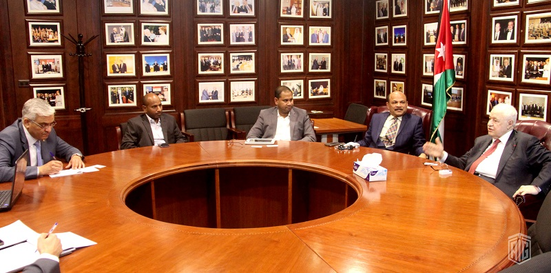 HE Dr. Talal Abu-Ghazaleh receives the Ambassador of Sri Lanka to Jordan, HE Mr. Abdul Latif M. Lafeer, to discuss potential ways of cooperation in the field of Education and Training.