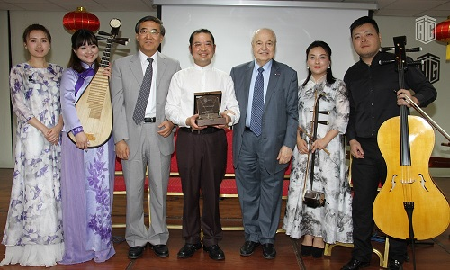 """HE Dr. Talal Abu-Ghazaleh, in the presence of the Chinese Ambassador to Jordan HE Mr. Ban Wei Fang, inaugurates a concert for Chinese musician Liu Guangyu performing with the traditional """"Erhu"""" musical instrument"""